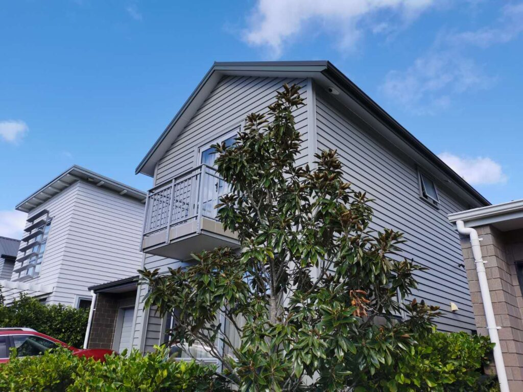 typical weather board house in North Shore. We are specialized in timber exterior painting